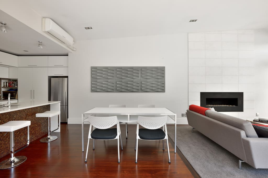 Stylish open plan living, dining and kitchen