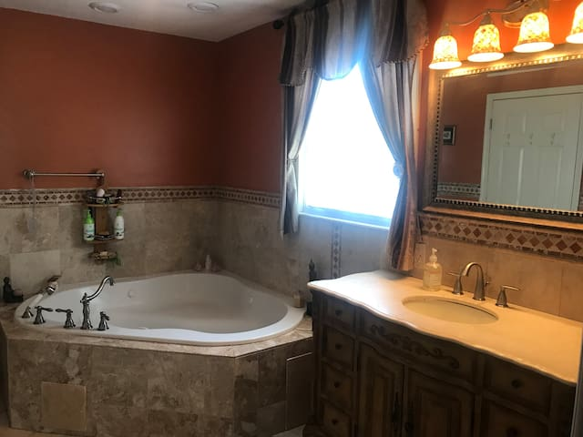 LUXURY TWO BEDROOM SUITE WITH JACUZZI