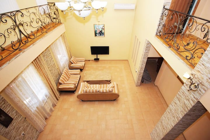 Villa guesthouse in Yerevan center with 4 bedrooms