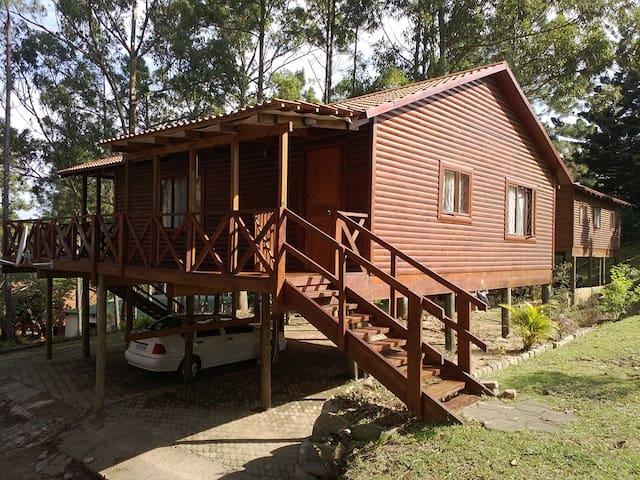 Lovely wooden cabin - Hibberdene