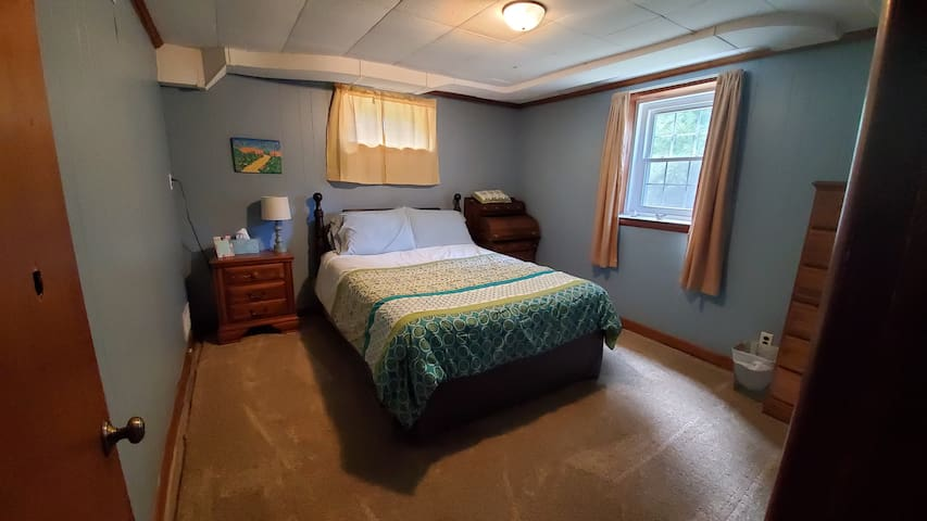 We just re-painted the main bedroom and put in a new plush carpet.