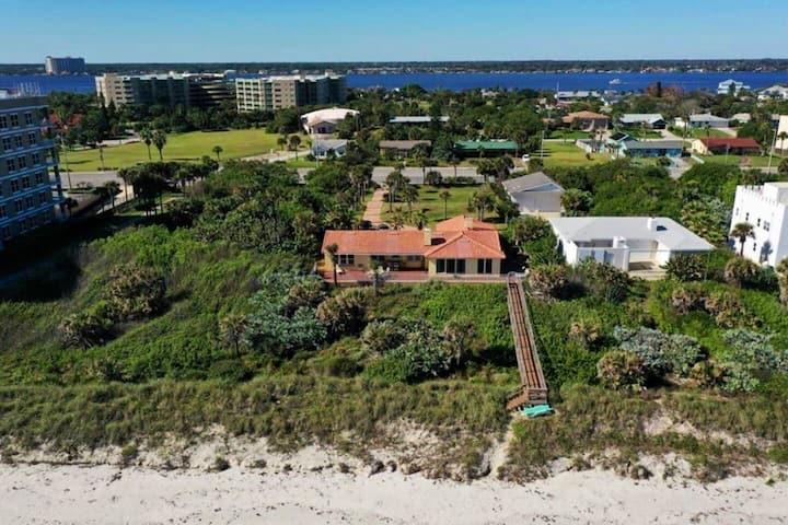 Beach Villa Views,Private Access2Beach! Sleeps 16+