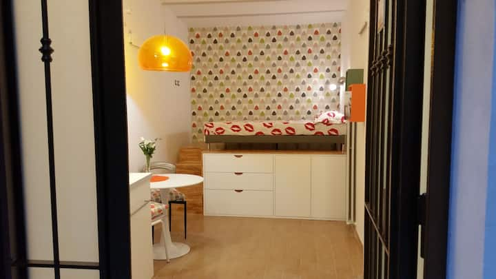 Studio in the heart of the city!