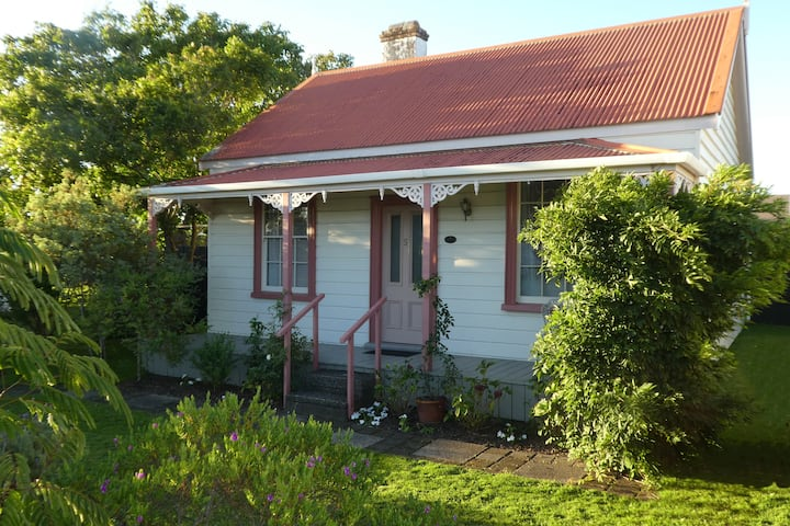 Caralee Cottage - NZHeritage Whitianga Town Centre