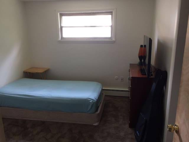 Spacious one bedroom ideal for students