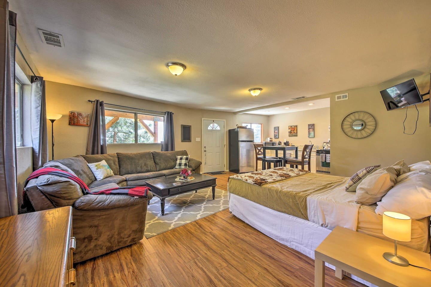 A relaxing Running Springs retreat awaits you at this vacation rental studio!