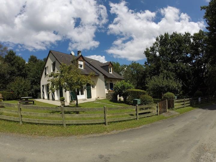 "Gîte ""Gure Etxea"" Pyrénées Béarnaises"