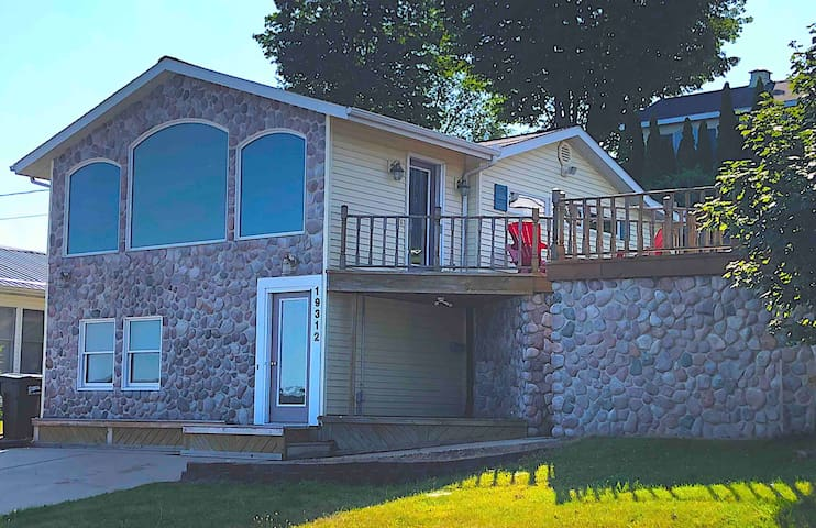 The Little Stony Cottage (on Chippewa Lake)