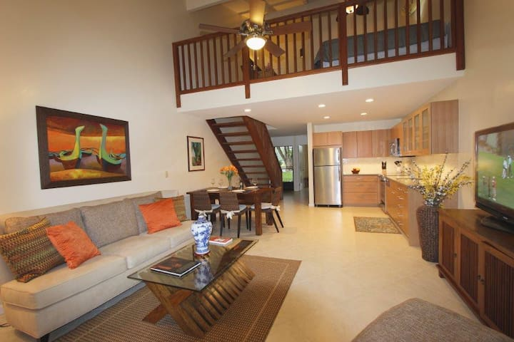 2 BEDROOM + LOFT TOWNHOUSE IN TURTLE BAY