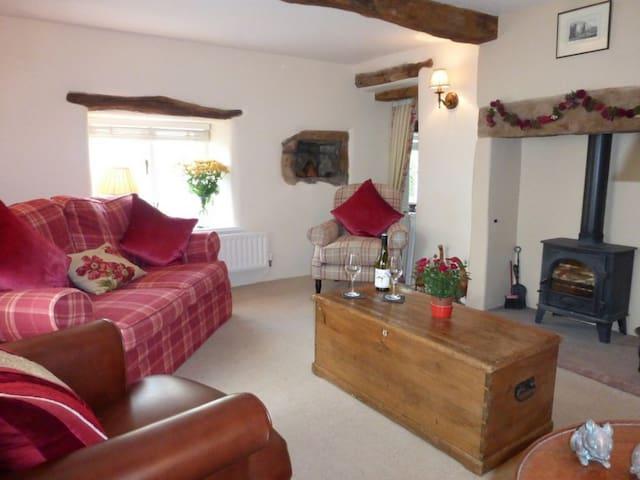 BOXTREE, Dacre, Nr Ullswater - Dacre - House