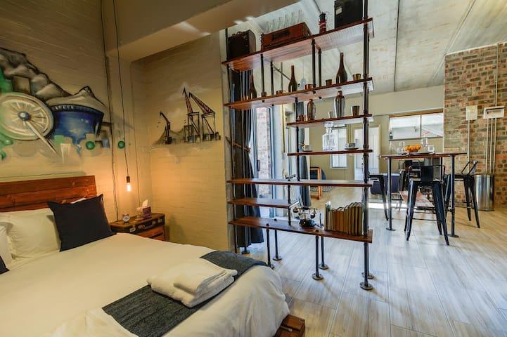 Stylish,Industrial-Chic Apartment: 5 Swift Studios