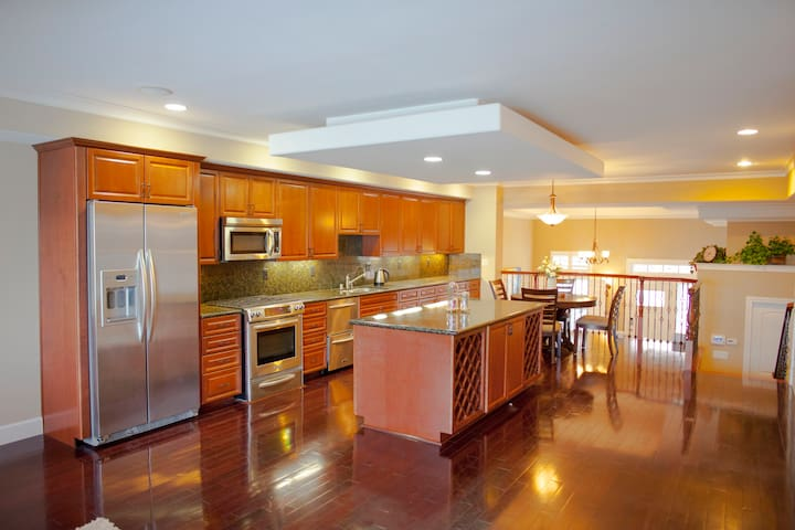 newly modeled delightful townhome - Cupertino - Huis