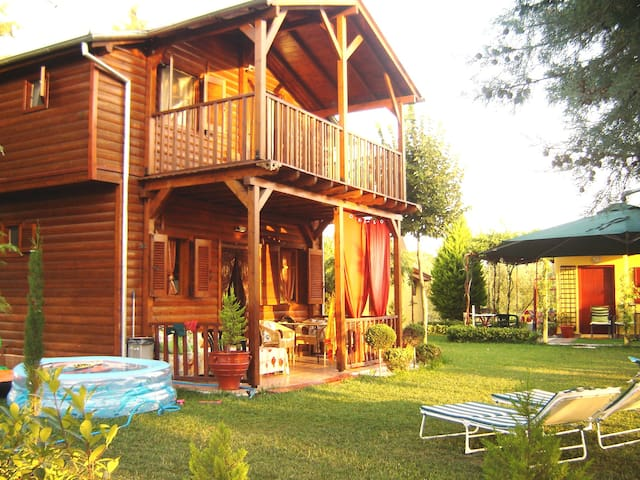 Lovely wooden house with garden near the sea. - Chalkidiki - Cottage