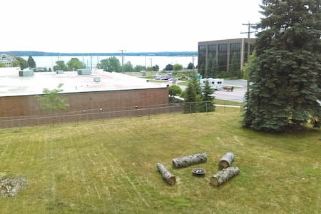 1 BR/1 BA Entire Apt, Bay View/Near Downtown - Traverse City - Appartement