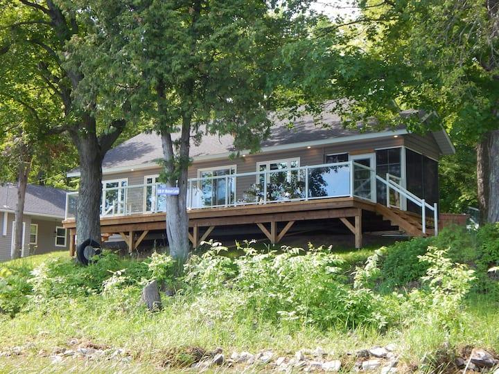 Thompson Cottages - Cottage #1 - Moira Lake