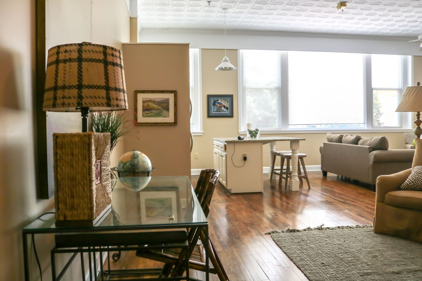 12 foot ceilings, open concept