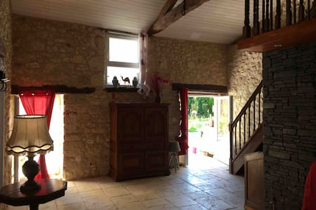 Appart individuelle 60M2  4/5 pers proche Issigeac