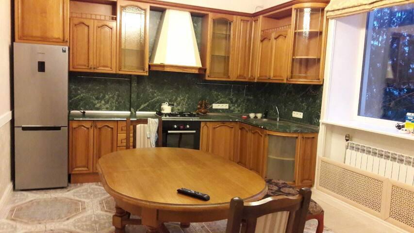Гостевой дом КАМЕЛИЯ - Minsk - House