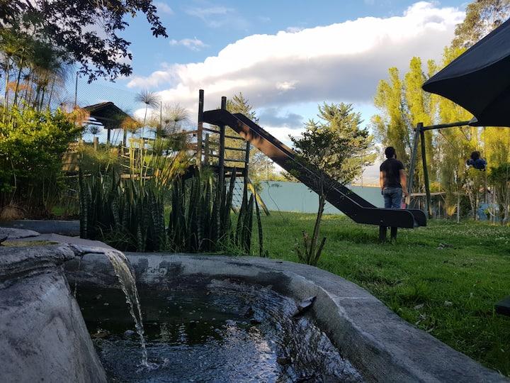 Acogedora vivienda en la naturaleza, cerca a Quito