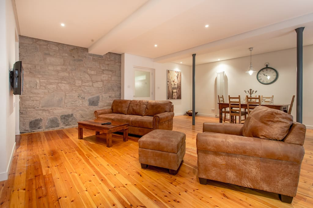 The old school house new town 3bd flats for rent in for Classic house edinburgh