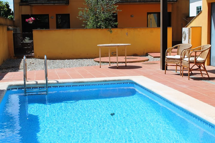 Torroella, groundfloor apartment with 1 bedroom.