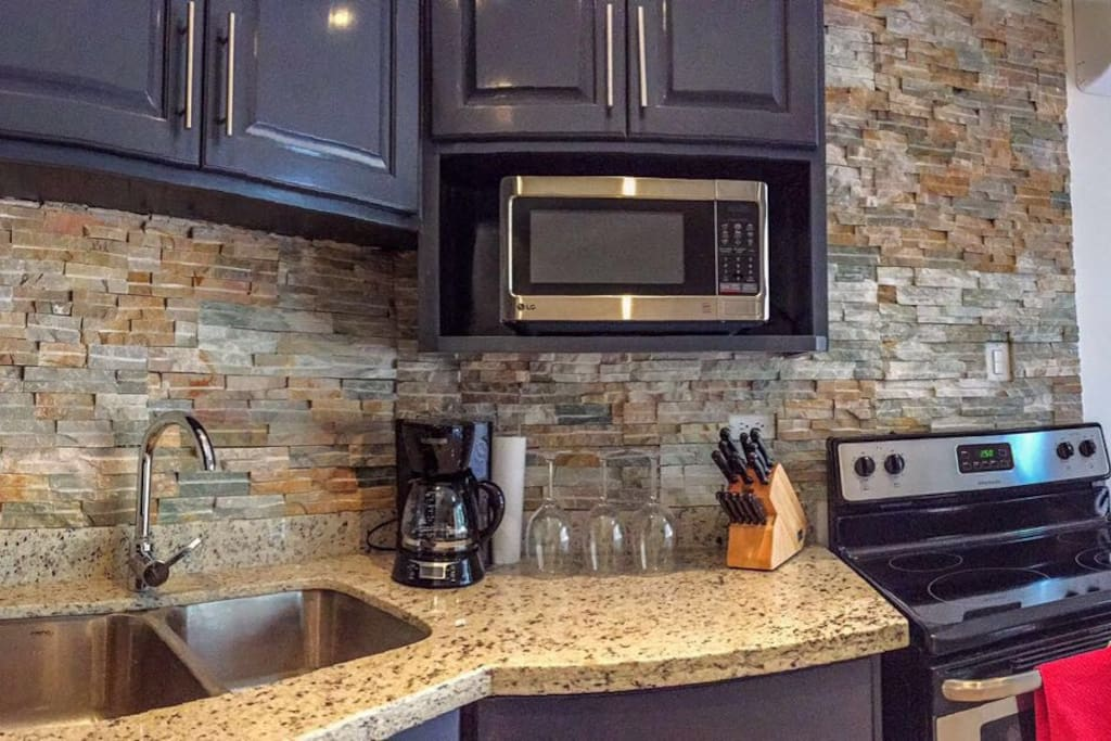Beautifully Designed fully equipped Kitchen