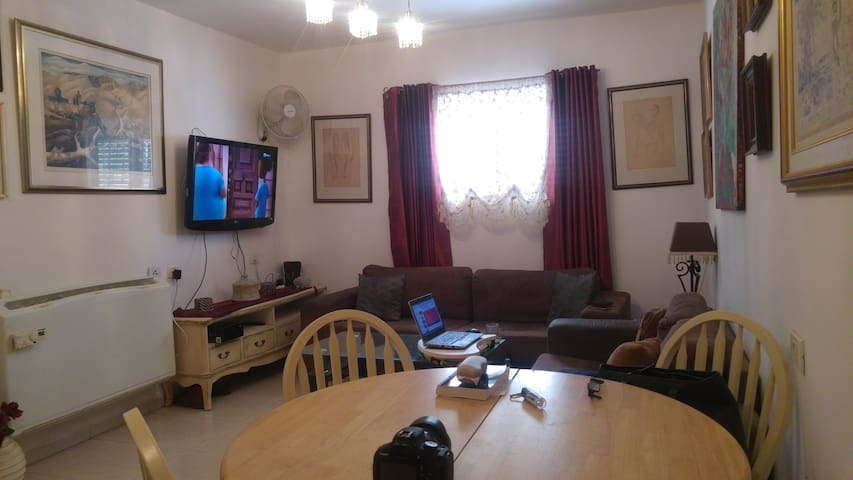 Quit and excelent location. - Caesarea - Apartment