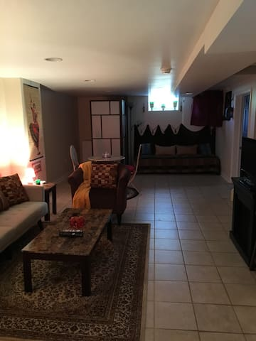 Lower level suite with 2BD and 1BTH - New Castle - House