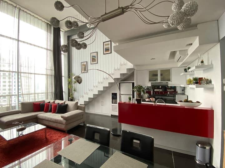 Strategic Sudirman Loft  Apartment 5 mins to MRT