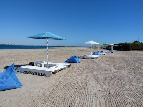 Moses Bay Lodge 'Budget Travel' Seaside Beach Huts