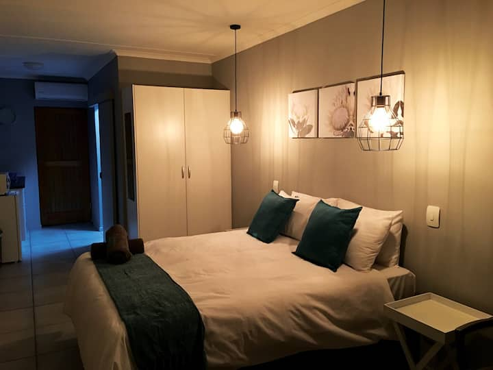 Kango Double room @ 21 on Klein Karoo Street
