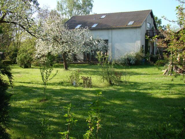 Atelierhaus auf dem Künstlerhof