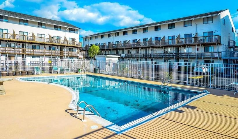 Prime location Condo in Ocean City, MD