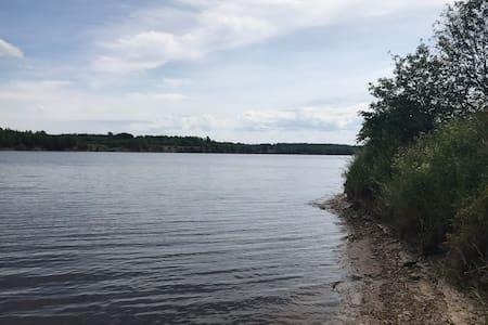 Дом на реке Волхов