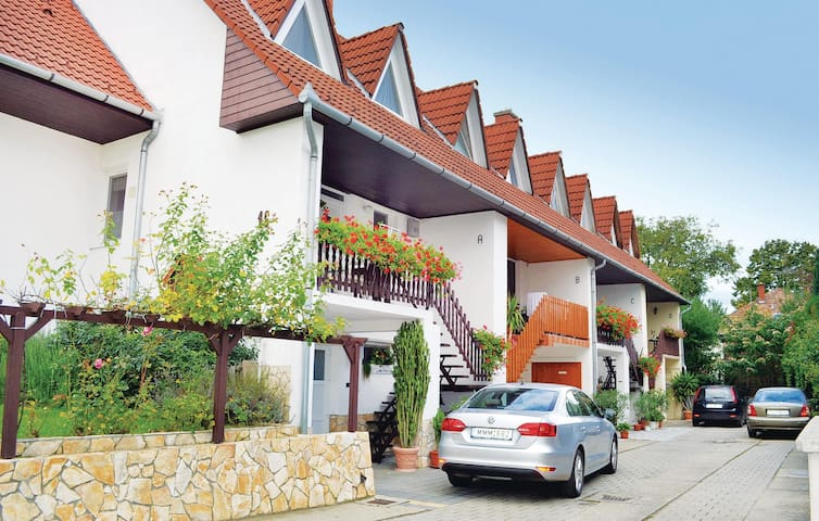 Terraced house with 3 bedrooms on 130 m² in Balatonföldvár