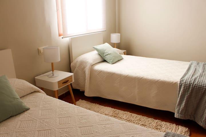Habitación con camas de 90 cm