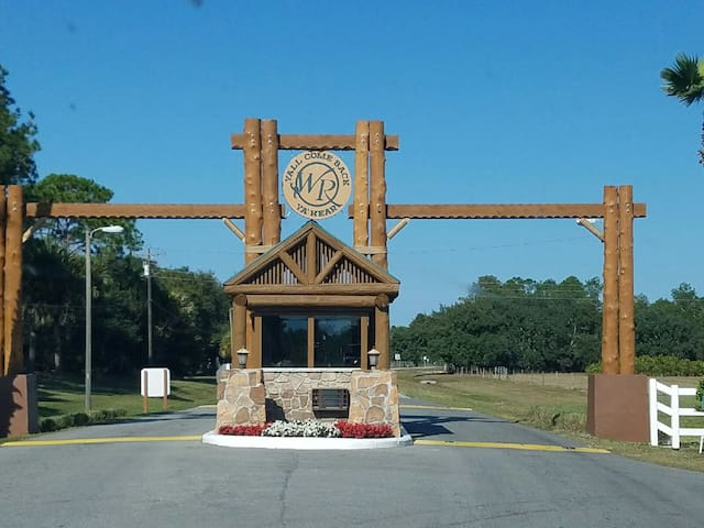 RIVER RANCH FAMILY GATEAWAY SLEEPS 4  ONLY $149