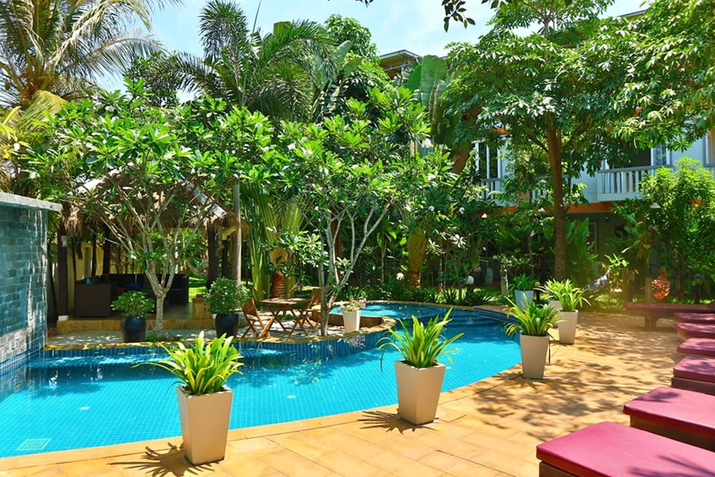 OUR POOL AREA sou round by green
