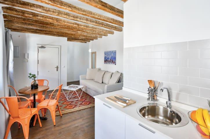 MT Estudio apartamento básico en Calatrava