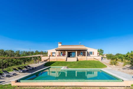 Secluded Country House on Rural Estate with Pool, Wi-Fi, Orchard and Terrace; Parking Available