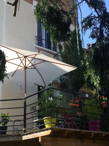 Chambre spacieuse dans maison des années 30 - Clermont-Ferrand - Ev