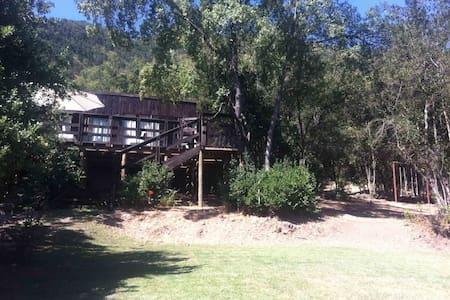 Linda casa en Santuario de la laguna Aculeo