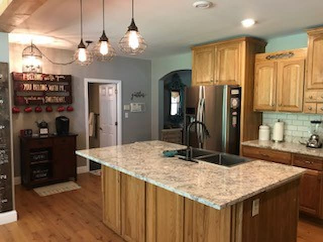 Updated Farmhouse on 10.5 Acres in Pevely MO
