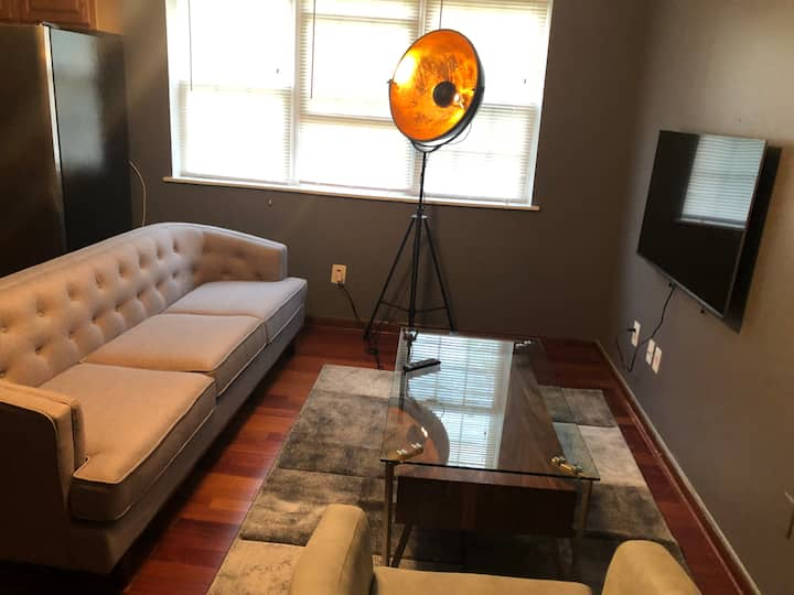 Luxury Condo in DC - Walking distance to 2 Metro