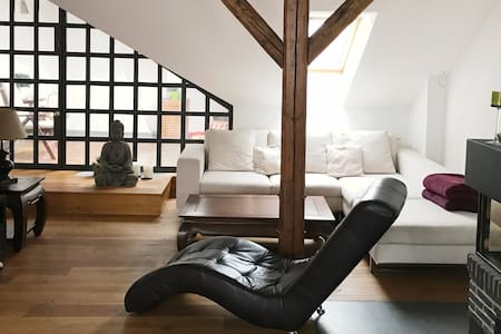 Luxus Dachgeschosswohnung Zentrum - Prag