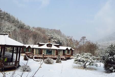 아리산방 - Danyang-gun - Trädhus