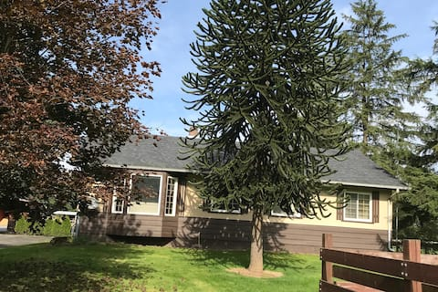 3bed, Chilliwack home with stunning mountain views