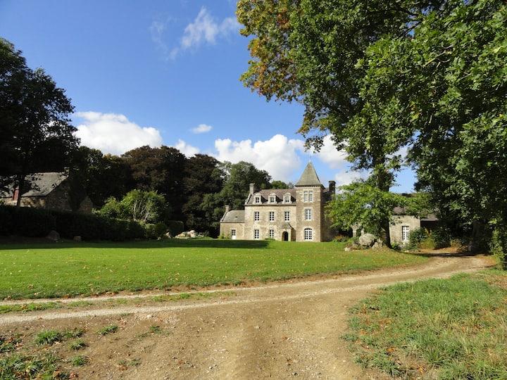Château Ville Voisin - Brocèliande sleeps 2