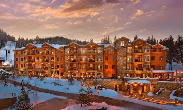 2BR plus Den Northstar Resort Villa Ski-in/Ski-out