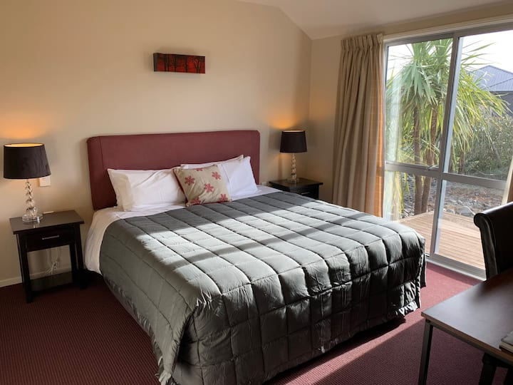 Forest Lodge - Double Room includes Breakfast (1)